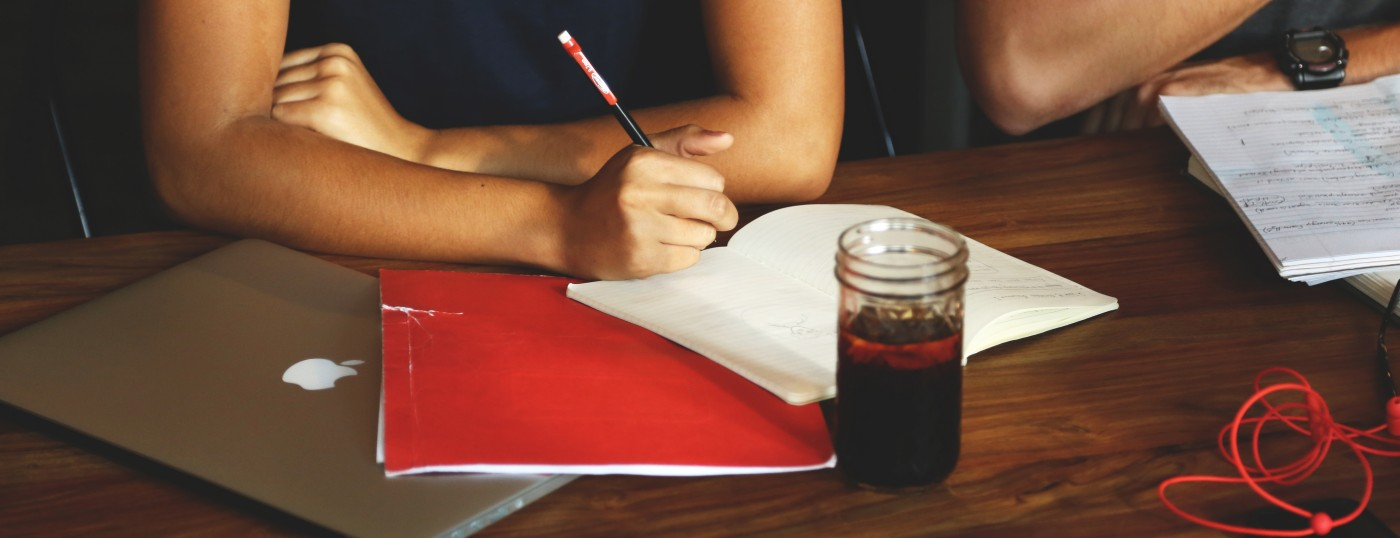 coffee-desk-notes-workspace_0